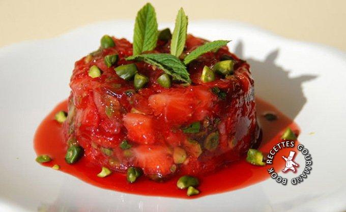 bookrecettes-fraises-tartare-bsilic.jpg